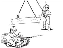 L'opérateur passe au-dessus d'un autre travailleur avec une charge.